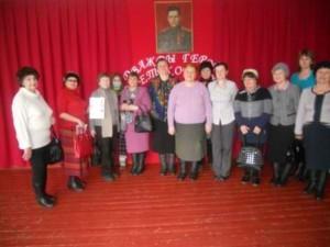 Снимок на память у портрета Хохрякова